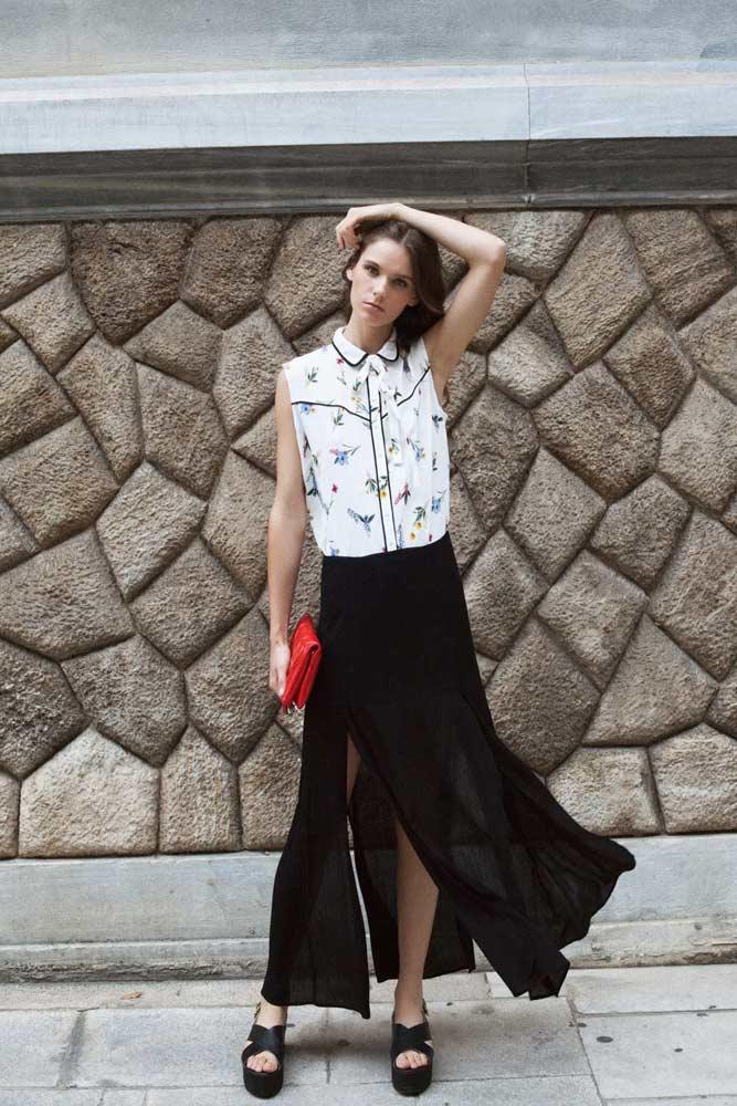 Floral πουκάμισο Marks & Spencer, Maxi φούστα Zara, Πλατφόρμες Steve Madden (nak shoes), Φάκελος folli follie.